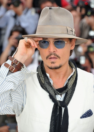 johnny depp wearing skinny scarf