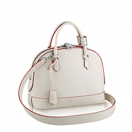 ALMA PPM  This bag comes in small size with double zip closure, protective  bottom studs and removeable shoulder strap. It is suitable for any occasion. c2f14475f0c